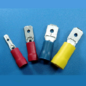 Male Disconnectors-Vinyl Insulated